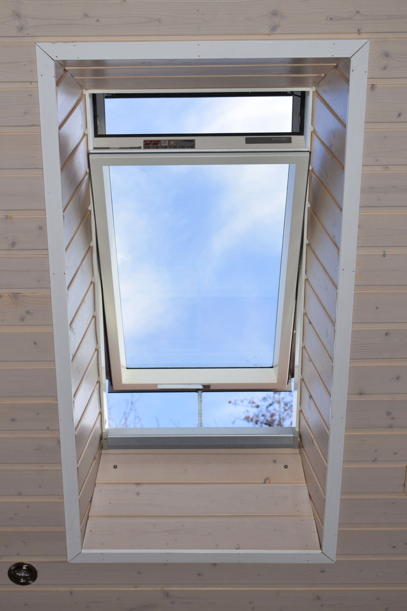 Finlog Roof Window